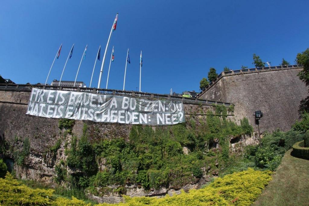 Referendum Banner